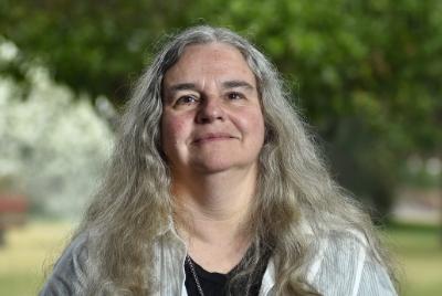 Verónica Armstrong Lattapiat
